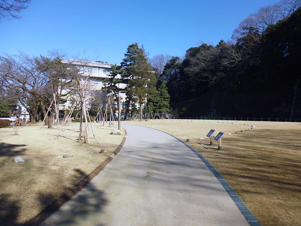金沢城公園 丸の内園地
