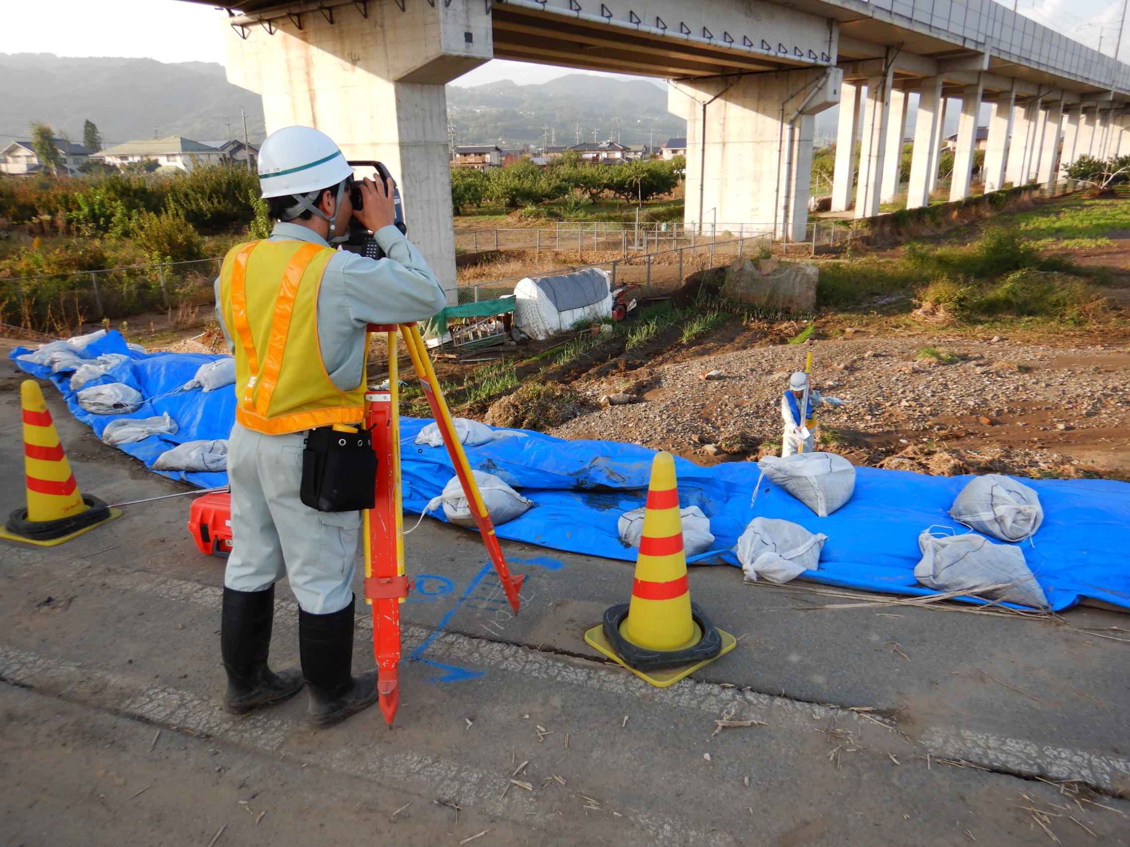 台風19号による千曲川災害復旧業務に携わっています。