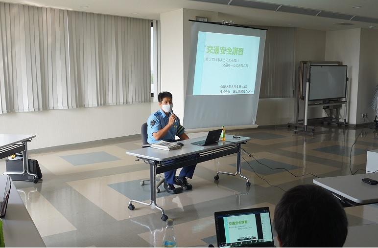 交通安全講習を開催しました